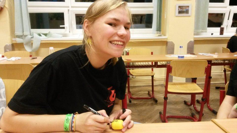 Jak se vyrábí veselé vajíčko nám předvedla Kača z gymnázia v Bruntálu.