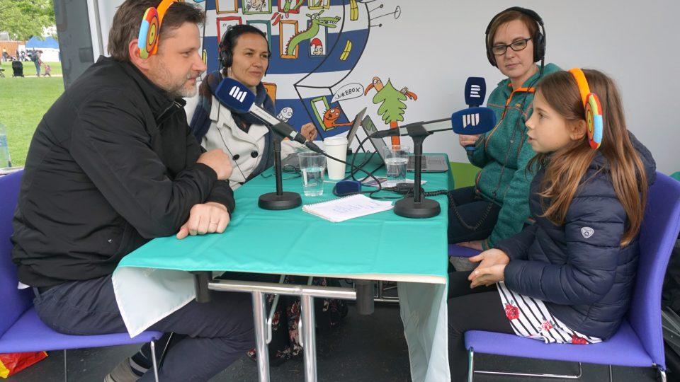 Živé vysílání Rádia Junior přímo z centra festivalového dění.