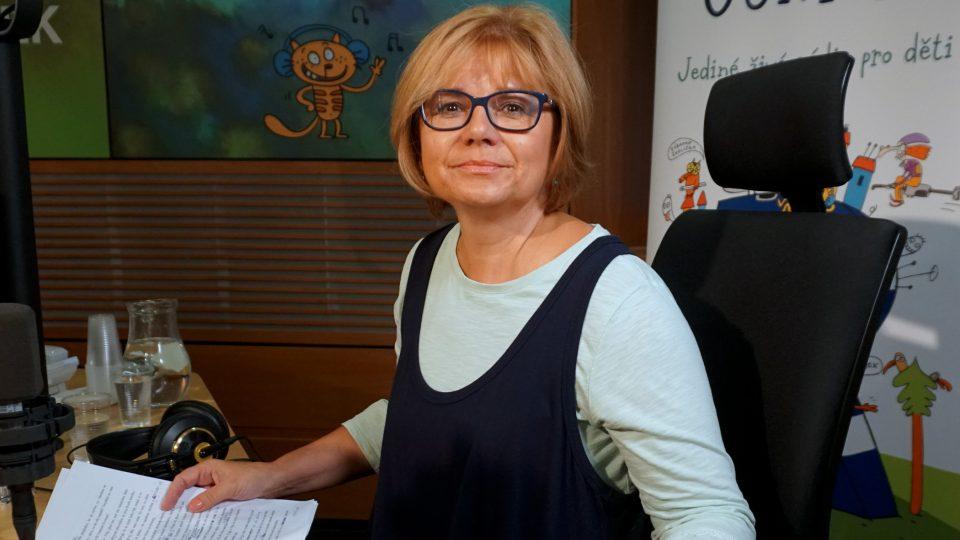 Herečka Ivana Andrlová přečetla živě pohádku skřítka Hajaji