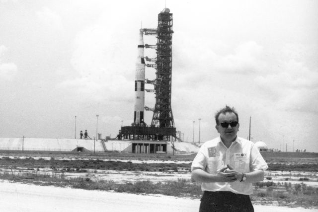 Karel Pacner u rakety Saturn 5