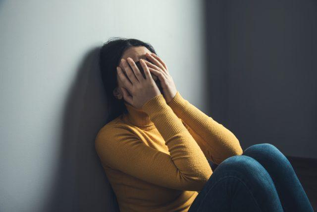 Když si někdo sám ubližuje,  potřebuje pomoct | foto: Shutterstock