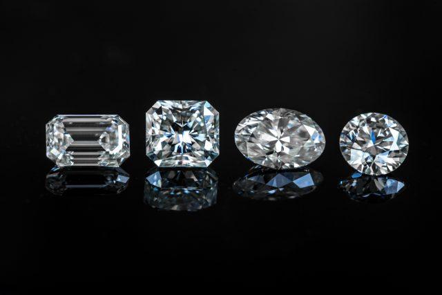 Jak se dá zničit jeden z nejtvrdších přírodních materiálů - diamant? | foto: Shutterstock