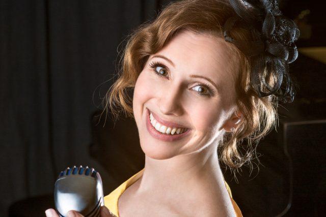 Zpěvačka Adéla Zejfartová miluje swing | foto: Iveta Kulhavá