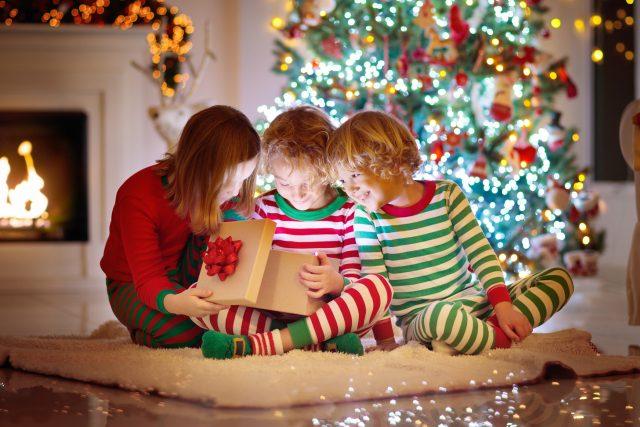 Jaké dárečky od Rádia Junior si můžete v prosinci rozbalit? | foto: Shutterstock