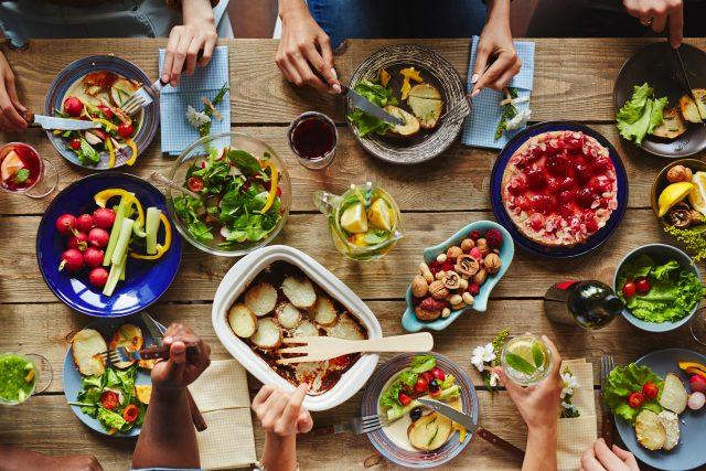 Různí lidé,  různé směry stravování   foto: Shutterstock