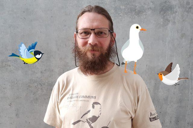 Ornitolog Vermouzek se věnuje ptákům