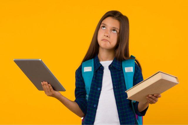 Displej,  nebo papír?   foto: Shutterstock