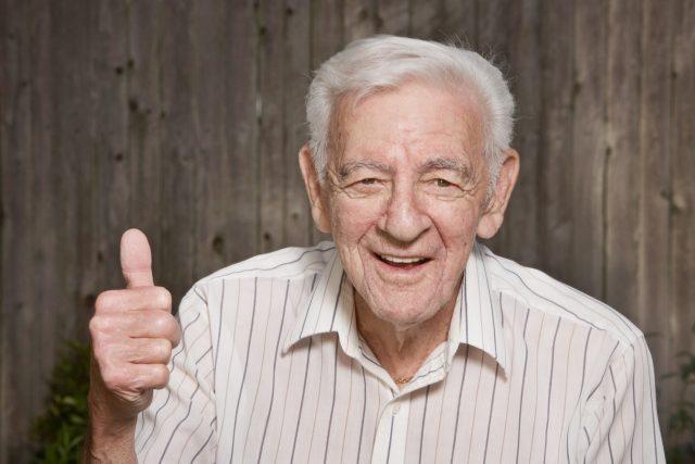 Přijde vám,  že má váš dědeček nějak velké uši?   foto: Shutterstock